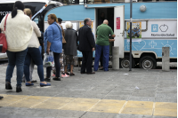 Campaña de vacunación en la explanada de la Intendencia de Montevideo