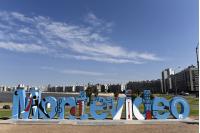 Inauguracion de la intervencion en las letras de Montevideo por los 100 anos de la Cumparsita.