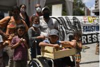 Vecinas del Barrio Nuevo Comienzo entregaron fotos a autoridades de la IM