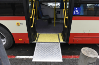 Rampa de accesibilidad en ómnibus