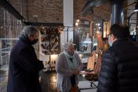 Visita del director de Desarrollo Económico al Mercado del artesano.