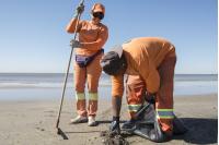Igualdad de género mantenimiento de playas