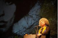 Conferencia magistral de Angela Davis en el Teatro Solis