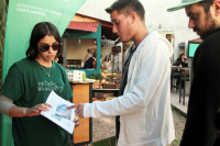 En Feria Camino Verde stand municipal educa reciclaje