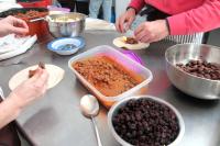 Preparación feria gastronómica Ciudad Vieja sin fronteras