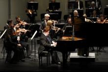 Conmemoración del 60º aniversario de la Filarmónica