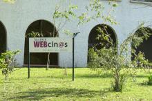 Fachada de sede de Talleres Webcinos