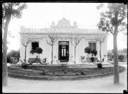 Sede de la División de Paseos Públicos. Jardín Botánico. Año 1917. (Foto: 01718FMHGE.CDF.IMO.UY - Autor: s.d./IMO)